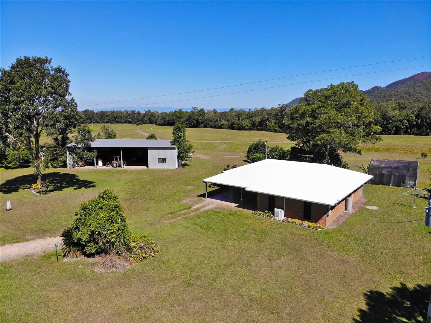130-QIN2723-Far-North-Queensland-Tablelands-edit