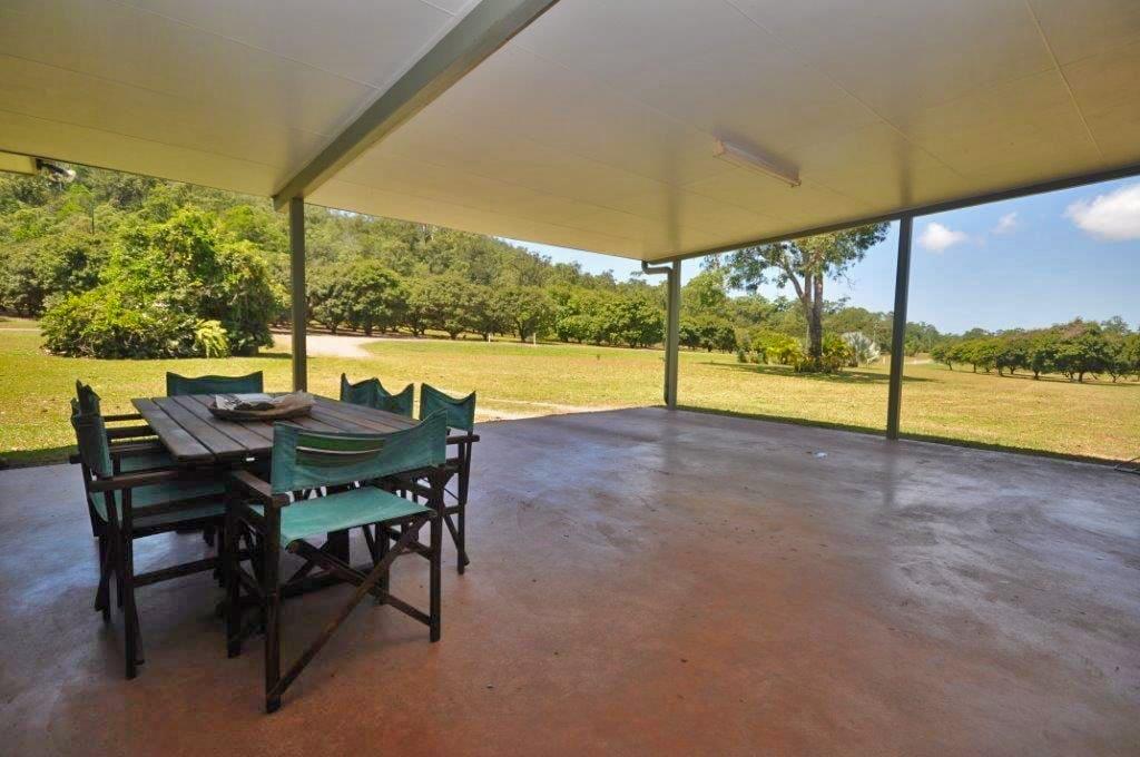 883-QIN2723-Far-North-Queensland-Tablelands-edit
