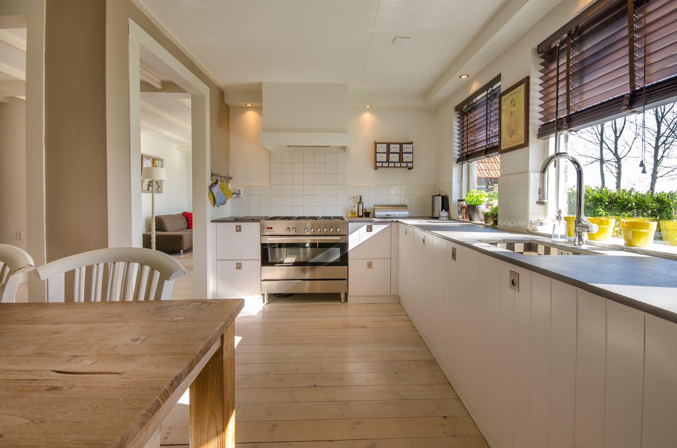 kitchen-stove-sink-kitchen-counter-349749